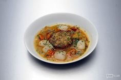 'Top Chef' Boston's cheftestant cooked up Red Quinoa Polenta With Seafood Brodo (Gluten-Free). Quinoa and gluten free? We'd expect nothing less from Brooklynite Adam Harvey. Chef Recipes, Italian Recipes, Healthy Recipes, Snack Bar, Polenta, The Dish, Thai Red Curry, Quinoa