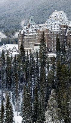 Chateau Banff Springs, Banff, Alberta, Canada (by robert_goulet on Flickr)