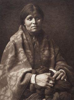 The Blanket Maker - Navaho (The North American Indian, v. I. Cambridge, MA: The University Press, 1907)