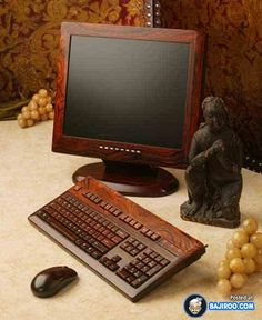 17 Photos Of Amazing Wooden Computers