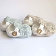 Child Knitting Patterns Crochet Baby Booties Crochet Baby Sneakers by Croby Patterns Crochet Child Booties Baby Knitting Patterns Supply : Crochet Child Booties Crochet Child Sneakers by Croby Patterns Crochet Baby Boot.Crochet Baby Sneakers by CrobyCroch Crochet Bebe, Love Crochet, Crochet For Kids, Hand Crochet, Crochet Baby Sandals, Crochet Shoes, Crochet Slippers, Booties Crochet, Baby Knitting Patterns
