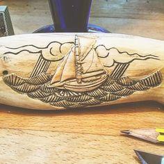 #talla #carving #woodwork #artesania #woodcutting #engrave #grabado #drawing #dibujos #oldprints #oldmasters #Sauntress #marinos #sailors #navegantes #sailing #estaes__spain #spain_gallery #estaes_galicia #somosgalegos #galiciadesduberta #galicia_mola #galiza ...Still with this knife...one side...is..more or less finish...only Fine sandpaper ...and wax... de joseluisromansaavedra