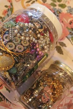 i can totally do this with my old jewlerys. hehe looks so girly and pretty
