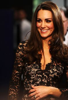 News and views on everyone's favourite future Queen Kate Middleton, aka the Duchess of Cambridge… Moda Kate Middleton, Style Kate Middleton, Kate Middleton Photos, Princesa Kate Middleton, Princess Kate, Princess Katherine, Princess Charlotte, Duke And Duchess, Duchess Of Cambridge