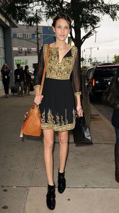 Alexa Chung in Marchesa dress  (September 2009)