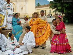 Honduras, Tegucigalpa, Indian Architecture, American Country, Traditional Outfits, Fashion Photography, Folk, Youth, Sari
