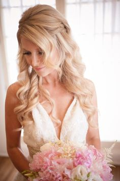 Excellent Want the perfect wedding day hairstyle of your dreams? Check out our list of don'ts, plus get inspired by19 Stunning Wedding Hairstyles We love! If you have your hair colored, permed, or trimmed, have it done at least one month before your wedding day. The extra ti ..