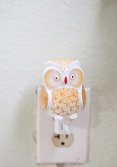 """all bright and beautiful"" owl nightlight. i have one plug-in owl like this. he needs a friend."