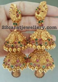 Top 7 Kundan and Antique jhumkas Jhumka Designs, Gold Earrings Designs, Necklace Designs, Indian Jewellery Design, Jewelry Design, India Jewelry, Jewellery Uk, Gold Jewelry, Saree Jewellery