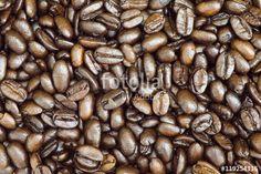 """Descargue la foto libre de derechos """"Granos de café"""" creada por galsa al precio…"""