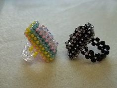 Featured tutorials for making beaded jewelries with right angle weave technique. You'll learn single, double and cubic right angle weave technique. Beaded Rings, Beaded Jewelry, Handmade Jewelry, Beaded Bracelets, Beading Tutorials, Beading Patterns, Ring Tutorial, Bracelet Tutorial, Right Angle Weave