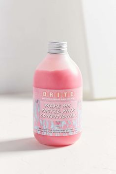UrbanOutfitters.com:Everything's coming up roses with this pastel pink conditioner from Brite Organix. Formulated to gradually intensify + maintain a perfect pink dye job or add the sweetest hint of strawberry to blonde locks while knocking out unwanted green tones. Use daily for vibrant, shining strands. Lather into wet hair after washing + massage through to ends. Leave for 5 minutes before rinsing well. For more intensity, apply to clean dry hair for 10 minutes before rinsing. Content…