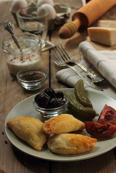 אדונית התבלינים: משהו קטן וטוב: בוריקיטס מבצק קוטג מהיר במילוי גבינות