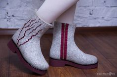 Валяные ботинки Гранатовый сок - купить или заказать в интернет-магазине на Ярмарке Мастеров - B30ZHRU   Яркие, теплые и невозможно сказочные зимние…