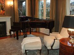 Grand piano in formal living room - Interior Design Idea in