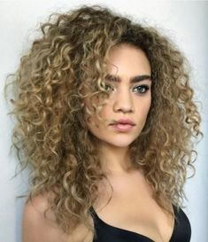 60 Styles and Cuts for Naturally Curly Hair Medium Layered Curly Bronde Hairstyle Layered Curly Haircuts, Short Layered Curly Hair, Haircuts For Curly Hair, Short Hair With Layers, Curly Hair Cuts, Curly Hair Styles, Natural Hair Styles, Wavy Hair, Curly Hair Layers