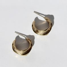 ANNiKA JEWELRY small touched hoops in brass