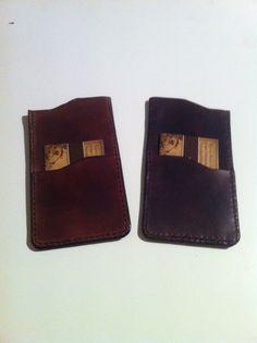 Håndlavet Iphone sleeve i 100% ægte læder. Kan købes på:  https://www.facebook.com/nabamudesign