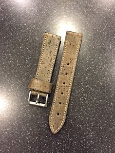 922Leather.com Custom watch straps and wallets. USA made
