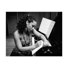 Alicia Keys pictures – Discover music, videos, concerts, & pictures at... ❤ liked on Polyvore