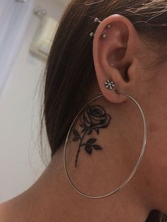 Neck Tattoos Women, Cute Tattoos For Women, Girl Neck Tattoos, Spine Tattoos, Badass Tattoos, Sleeve Tattoos, Tattoos For Guys, Grey Ink Tattoos, Rose Tattoos