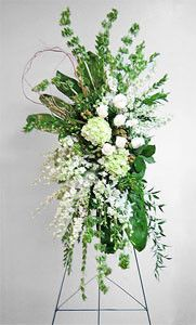 White and Green Funeral Easel Spray featuring hydrangeas and roses. Appropriate for family members. Casket Flowers, Grave Flowers, Cemetery Flowers, Church Flowers, Funeral Flowers, Funeral Floral Arrangements, Large Flower Arrangements, Flowers For Mom, White Flowers