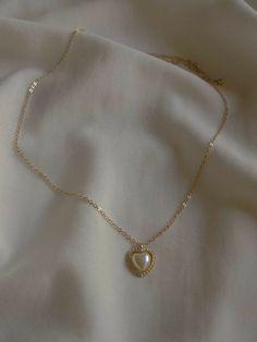 Dainty Jewelry, Cute Jewelry, Gold Jewelry, Jewelry Accessories, Vintage Jewelry, Filigree Jewelry, Bullet Jewelry, Gothic Jewelry, Jewelry Necklaces