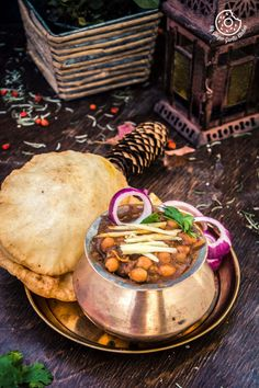 How To Make Punjabi Chole Bhature - Chana Bhatura Recipe Punjabi Cuisine, Punjabi Food, Indian Food Recipes, Vegetarian Recipes, Cooking Recipes, Indian Foods, Superfood Recipes, Indian Snacks, Indian Dishes