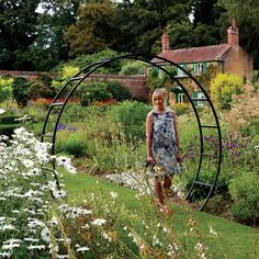 A Harrod Moon Gate Arch will ceate a stunning focal point in your garden.