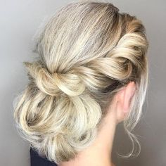 40 Lovely Low Bun Hairstyles for Your Inspiration  #hairstyles #inspiration #lovely