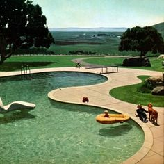 Freeform Pools: curvaceous and glamourous! — Glamour Drops -- Donnell Garden, landscape architect Thomas Church