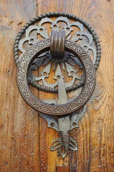 Door Knobs And Knockers, Knobs And Handles, Knobs And Pulls, Door Handles, Door Entryway, Entry Doors, Door Trims, Unique Doors, Door Furniture