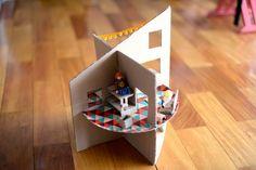 Estéfi Machado: Casinha de bonecas de papelão * Mansão de Playmobil