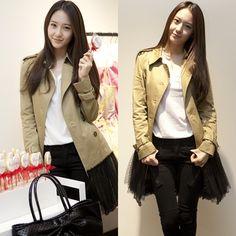 f(x) Krystal flaunts her fall fashion for 'Valentino' event Pop Fashion, Daily Fashion, Autumn Fashion, Korean Idols, Korean Music, Krystal Jung Fashion, Jessica & Krystal, Super Star, Korean Celebrities