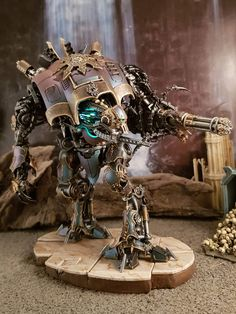Renegade Knight made by Septimus Clegg. Warhammer 40000, Chaos Legion, Imperial Knight, Necron, Dnd Monsters, Warhammer Models, Warhammer 40k Miniatures, Space Wolves, Fantasy Miniatures
