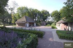 Tuin bij monumentale boerderij - PUUR groenprojecten Garden Architecture, Garden Inspiration, Countryside, Gazebo, Flora, Sidewalk, Cottage, Exterior, Outdoor Structures