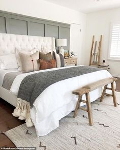 Cosy bed decor is set to have a major moment next season Ikea Interior, Simple Interior, Nordic Interior, Interior Photo, Interior Modern, Interior Paint, Bedroom Interior Design, Interior Design Masters, Interior Colors