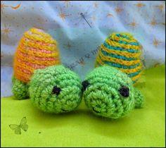 Tortuga Amigurumi - Patrón Gratis en Español aquí: http://churrasymerinasmanualidades.blogspot.com.es/2014/10/tortuga-amigurumi.html