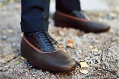Following on my umbrella round-up, I thought I'd write about footwear you can use for the coming rain season. As you can probably guess, I'm not terribly fond of Hunter Wellingtons. They seem to work...