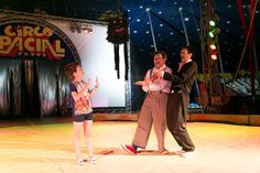 Caras: Klara Castanho no circo - produção de Carlos Henrique Duarte