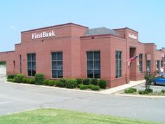 """First Bank, Jackson, TN.  We supplied our North Country Semi-Weathering Gray/Black roofing slate (14"""" x 10"""" x 1/4"""")"""