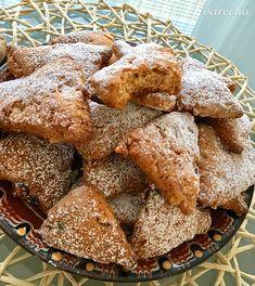 Lahodné nielen vianočné medové trojuholníčky - recept | Varecha.sk French Toast, Breakfast, Food, Treats, Sweet, Google, Basket, Food Food, Morning Coffee