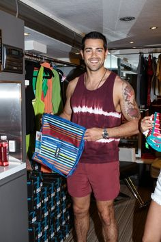 Jesse Metcalfe! What a HOTTIE! #packitcool