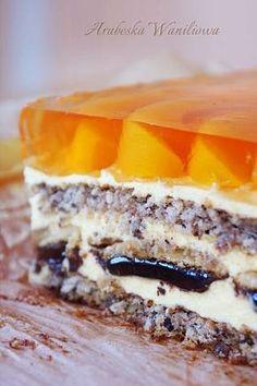 To ciasto wyjątkowe, na specjalne okazje. Dosyć czasochłonne, ale warte poświęconego mu czasu. Cienkie, bakaliowe placki, krem budyniowy... Baking Recipes, Cake Recipes, Dessert Recipes, Cake Bars, Polish Recipes, Dessert Drinks, Cookie Desserts, Homemade Cakes, Cake Cookies