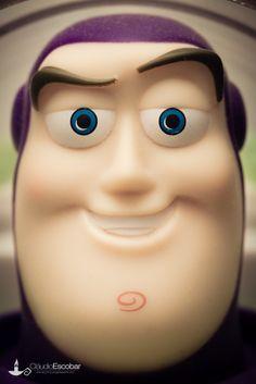 buzz lightyear fondant tutorial - Google zoeken Toy Story Theme, Toy Story Movie, Toy Story Buzz, Toy Story Party, Toy Story Birthday, Cumple Toy Story, Festa Toy Story, Fondant Figures Tutorial, Cake Topper Tutorial