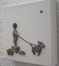 Pebbles: 25 ideas for creative art inspiration Stone Crafts, Rock Crafts, Arts And Crafts, Art Crafts, Deco Nature, Art Nature, Pebble Pictures, Stone Pictures, Rock And Pebbles