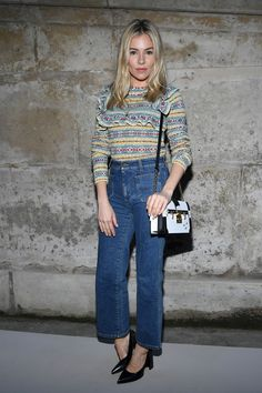 Sienna Miller attends the Louis Vuitton show as part of the Paris Fashion Week Womenswear Fall/Winter 2018/2019 on March 6, 2018 in Paris, France. - Louis Vuitton: Front Row - Paris Fashion Week Womenswear Fall/Winter 2018/2019