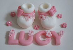 Handmade Baby Booties Shower or Christening Cake Topper/Decoration Fondant Figures Tutorial, Fondant Toppers, Cake Tutorial, Fondant Flower Cake, Fondant Cakes, Fondant Bow, Decorate Your Own Cake, Cake Templates, Baby Girl Cakes