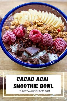 Try this delicious chocolate acai bowl. It's the perfect balance of healthy and nutrious ingredients with something extra for those chocolate lovers! We love all things vegan lunches and vegan brunches and this acai chocolate bowl ticks all the boxes. Vegan Bowl Recipes, Vegan Brunch Recipes, Best Vegan Recipes, Vegan Blogs, Acai Smoothie, Smoothie Bowl, Vegan Lunches, Banana Breakfast