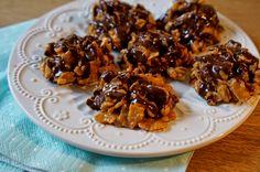 Peanutbutter cookies, yum! Peanut Butter Cookies, Chicken Wings, Almond, Meat, Food, Almond Joy, Meals, Almonds, Yemek